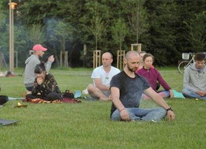 yoga-w-plenerze